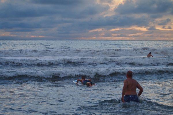 Moi en approche des vagues